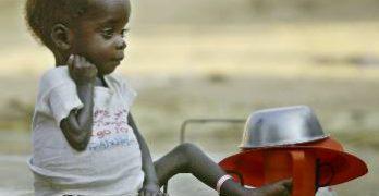 πεινασμένα και εξαθλωμένα παιδιά