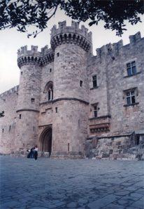 ξεναγοί στο Παλάτι Μ Μαγίστρου