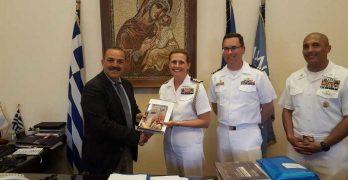 Η Τ.Ε. του ΚΚΕ καταγγέλλει τον Δήμαρχο για τη θερμή υποδοχή των αμερικανών αξιωματούχων