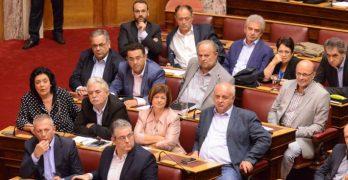 Η κυβέρνηση απέρριψε τη τροπολογία του ΚΚΕ για χρέη προς τους Δήμους